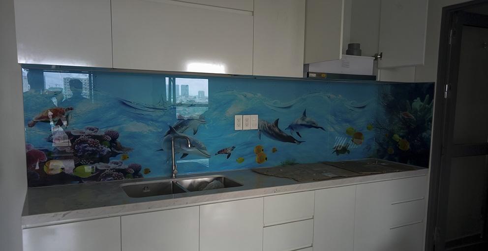 Kinh ốp bếp cảnh biển